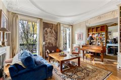 Mansions in Exceptional view and location On the Champ de Mars