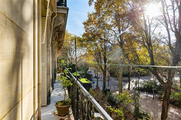 Luxury real estate Exceptional view and location On the Champ de Mars