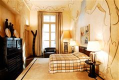 Luxury properties exquisite apartment in prestigious building