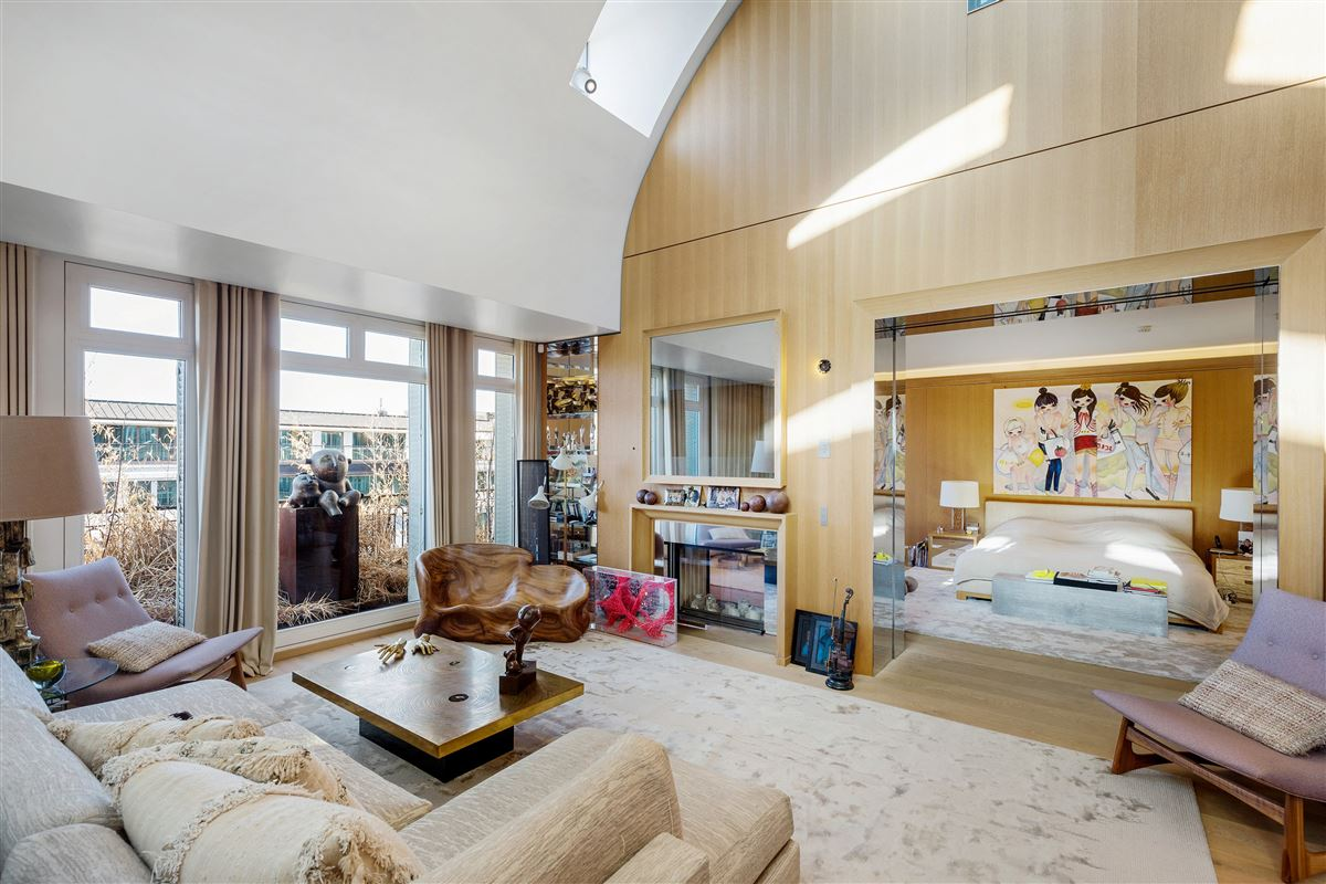 magnificent penthouse with 5-star services luxury properties