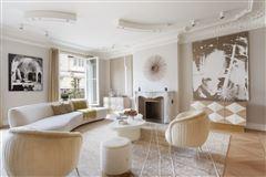 Luxury homes in Exceptional Apartment in elegant freestone building