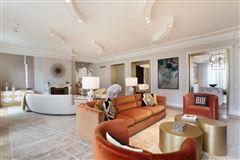 Mansions in Exceptional Apartment in elegant freestone building