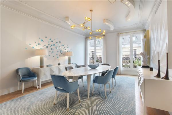 Luxury homes Exceptional Apartment in elegant freestone building