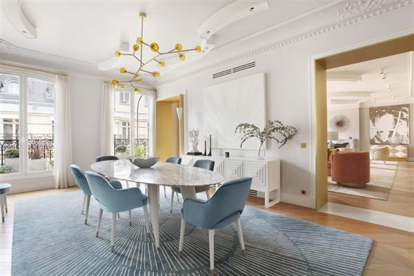 Luxury real estate Exceptional Apartment in elegant freestone building