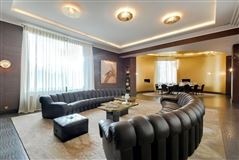 apartment in prestigious Walter building mansions