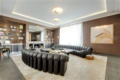 Luxury homes in apartment in prestigious Walter building
