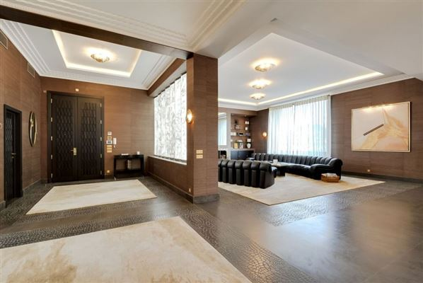 apartment in prestigious Walter building luxury real estate