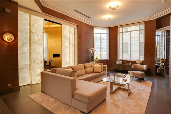 apartment in prestigious Walter building luxury properties