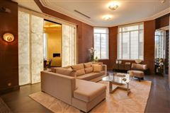 apartment in prestigious Walter building luxury homes