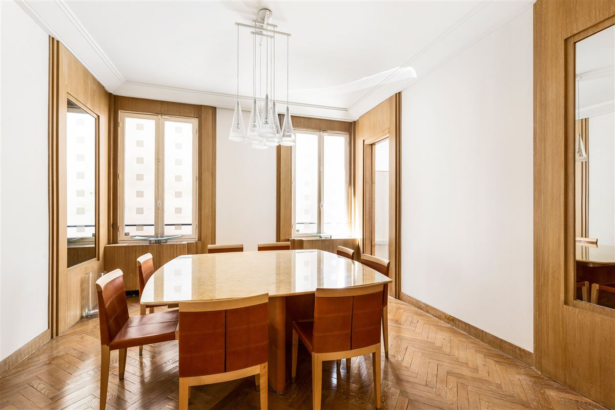 Luxury homes this elegant and spacious apartment is beautifully located