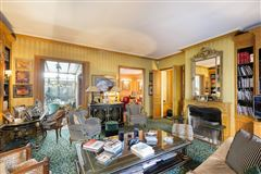 Luxury homes in superb Hotel Particulier