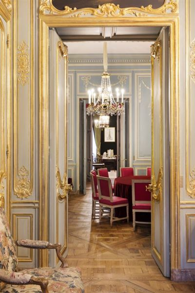 Luxury real estate sublime apartment in paris