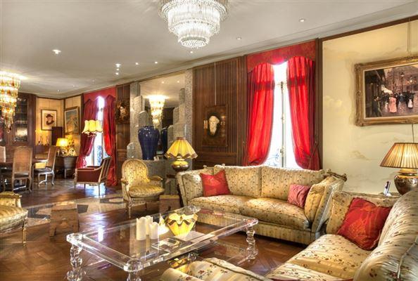 Luxury homes Elegant Apartment