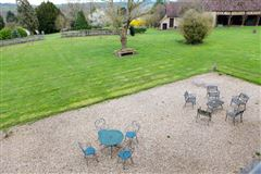 Mansions in remarkable property in Chaumont En Vexin