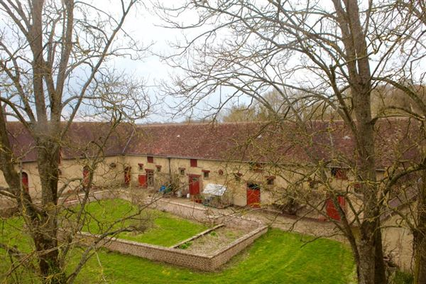 remarkable property in Chaumont En Vexin luxury real estate