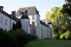elegant 16th century chateau luxury homes