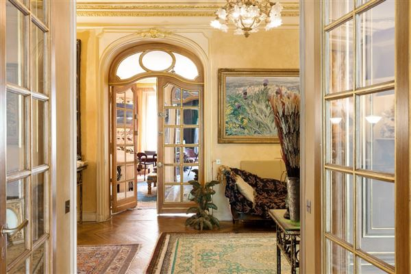 Luxury real estate first floor apartment In a sumptuous building