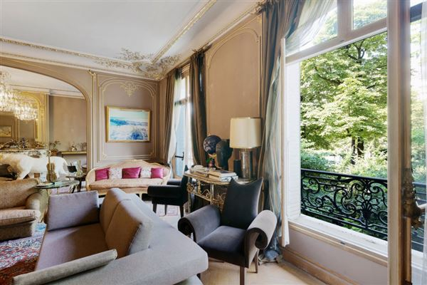 first floor apartment In a sumptuous building luxury real estate