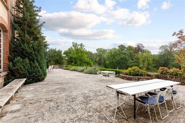 an amazing estate luxury properties