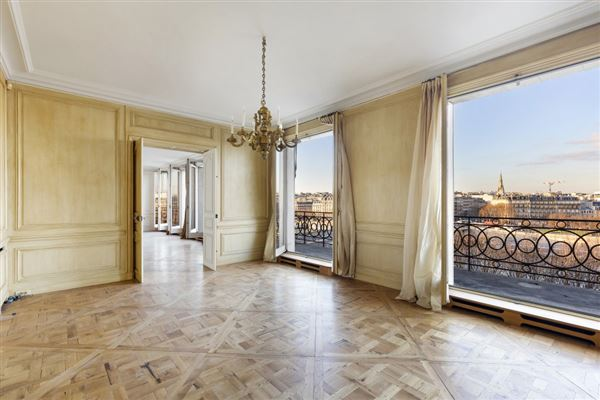 Luxury properties magnificent apartment bathed in sunshine