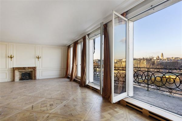 magnificent apartment bathed in sunshine luxury properties