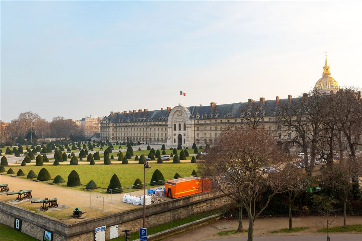 Rare address and view in Paris luxury properties