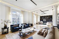 Mansions magnificent apartment in prime location in the prestigious 16th District