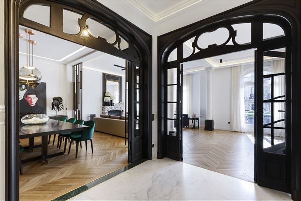 Luxury homes magnificent apartment in prime location in the prestigious 16th District