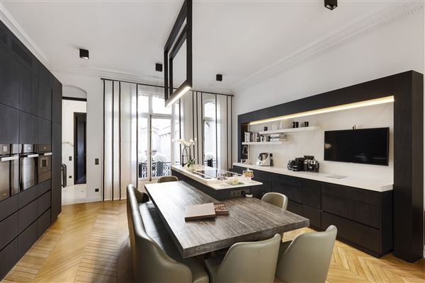 magnificent apartment in prime location in the prestigious 16th District luxury properties