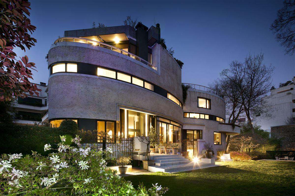 incredible contemporary Villa luxury real estate