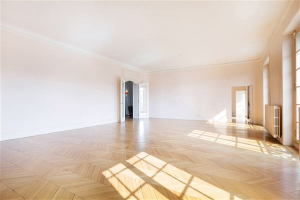 beautiful light-filled apartment with open views luxury real estate