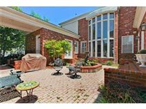 Luxury homes an excellent home in Kenner