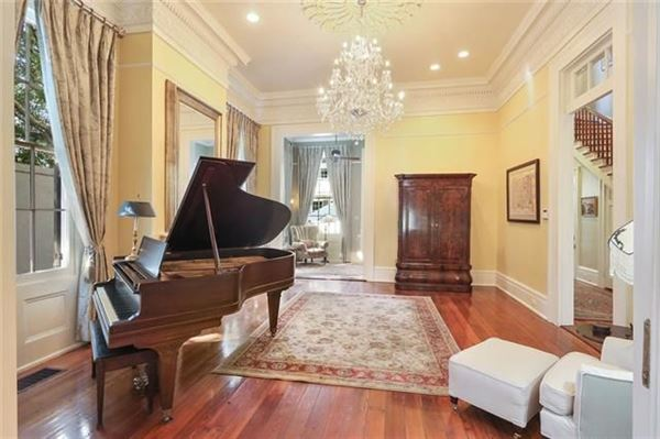 Luxury properties Grand and gorgeous 1860s Greek revival home