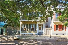 Grand and gorgeous 1860s Greek revival mansion mansions