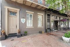 a Majestic Creole Townhouse mansions