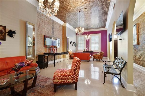 Luxury homes a Majestic Creole Townhouse