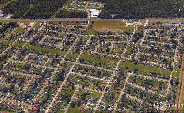 Luxury homes Approximately 12 acres in proximity to Huey P Long Bridge and Mississippi River
