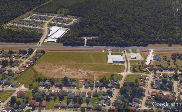 Luxury real estate Approximately 12 acres in proximity to Huey P Long Bridge and Mississippi River