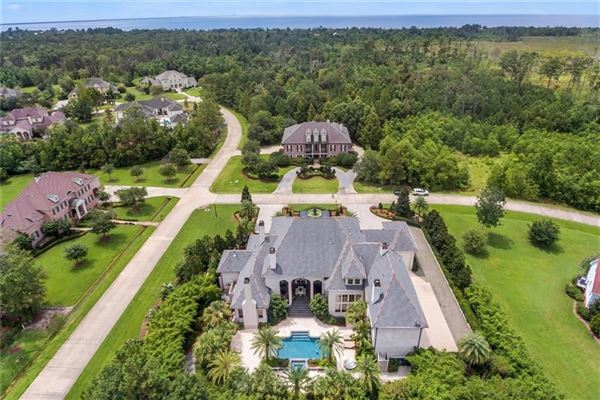 gated Sanctuary in mandeville luxury properties