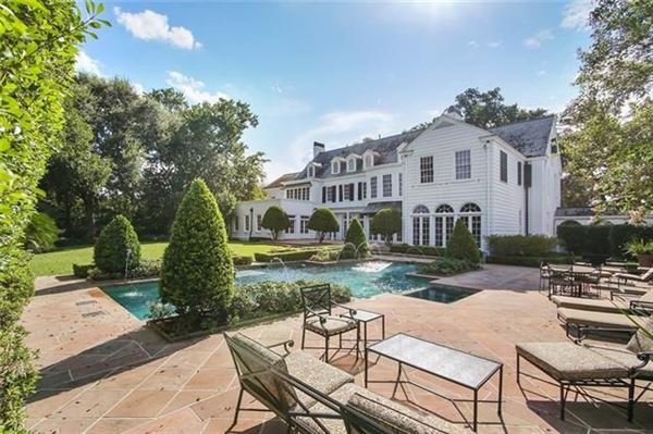 Luxury real estate Grand three story Colonial