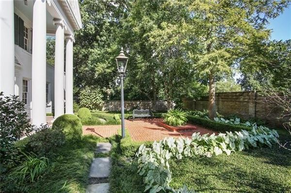 Mansions Grand three story Colonial