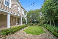 Exquisite Metairie Club Gardens compound on estate-sized grounds mansions
