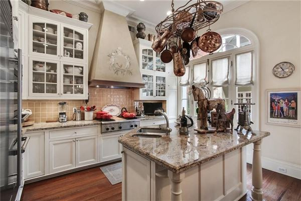 Luxury real estate a Spectacular Creole townhouse