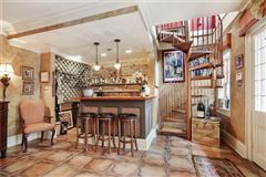 Luxury homes in a Spectacular Creole townhouse