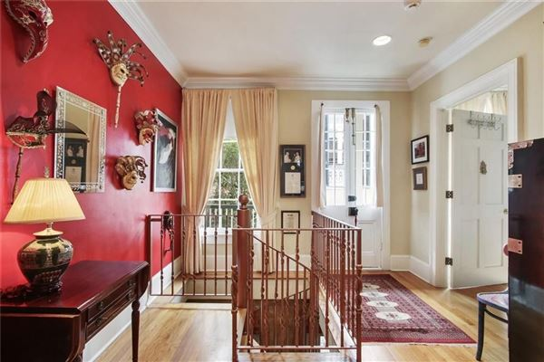 Luxury homes a Spectacular Creole townhouse