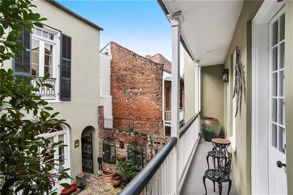a Spectacular Creole townhouse luxury real estate
