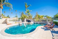 Mansions in unique property in sought-after enclave of Corona