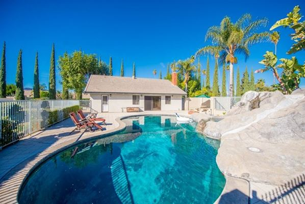 Luxury homes unique property in sought-after enclave of Corona