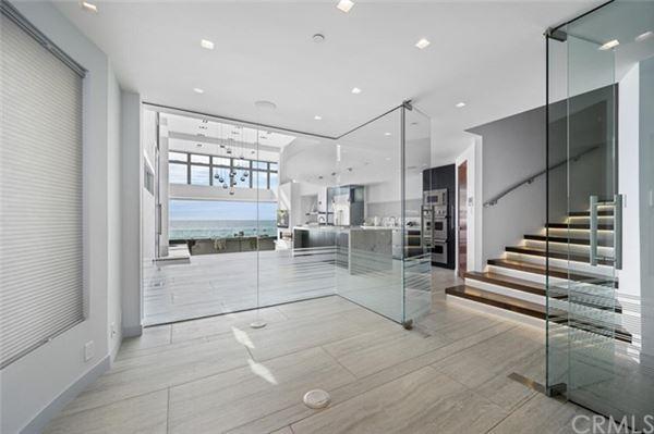 Luxury properties Breathtaking oceanfront living