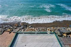 Breathtaking oceanfront living mansions